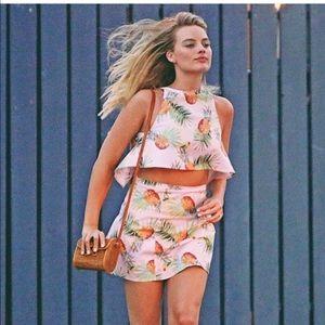 Wallpapr Kit Skirt